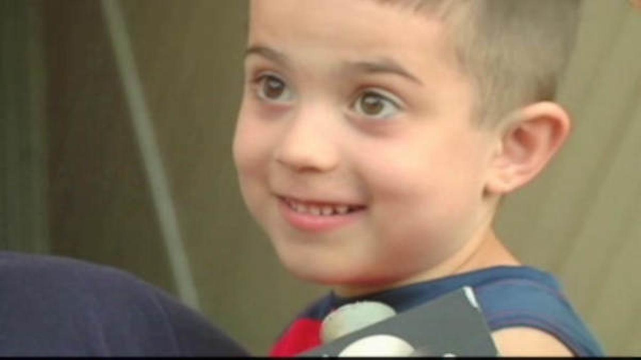4-year-old called a hero after saving family, neighbors from fire