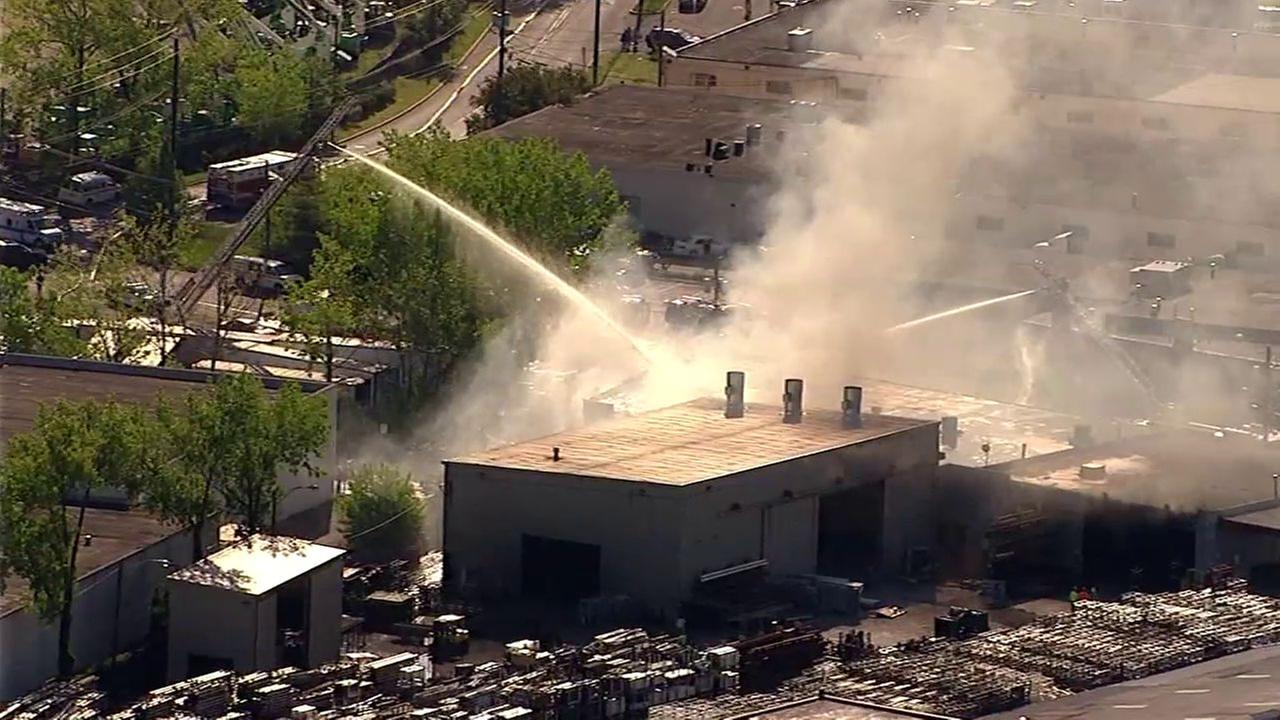 4-alarm fire tears through commercial building in Carlstadt