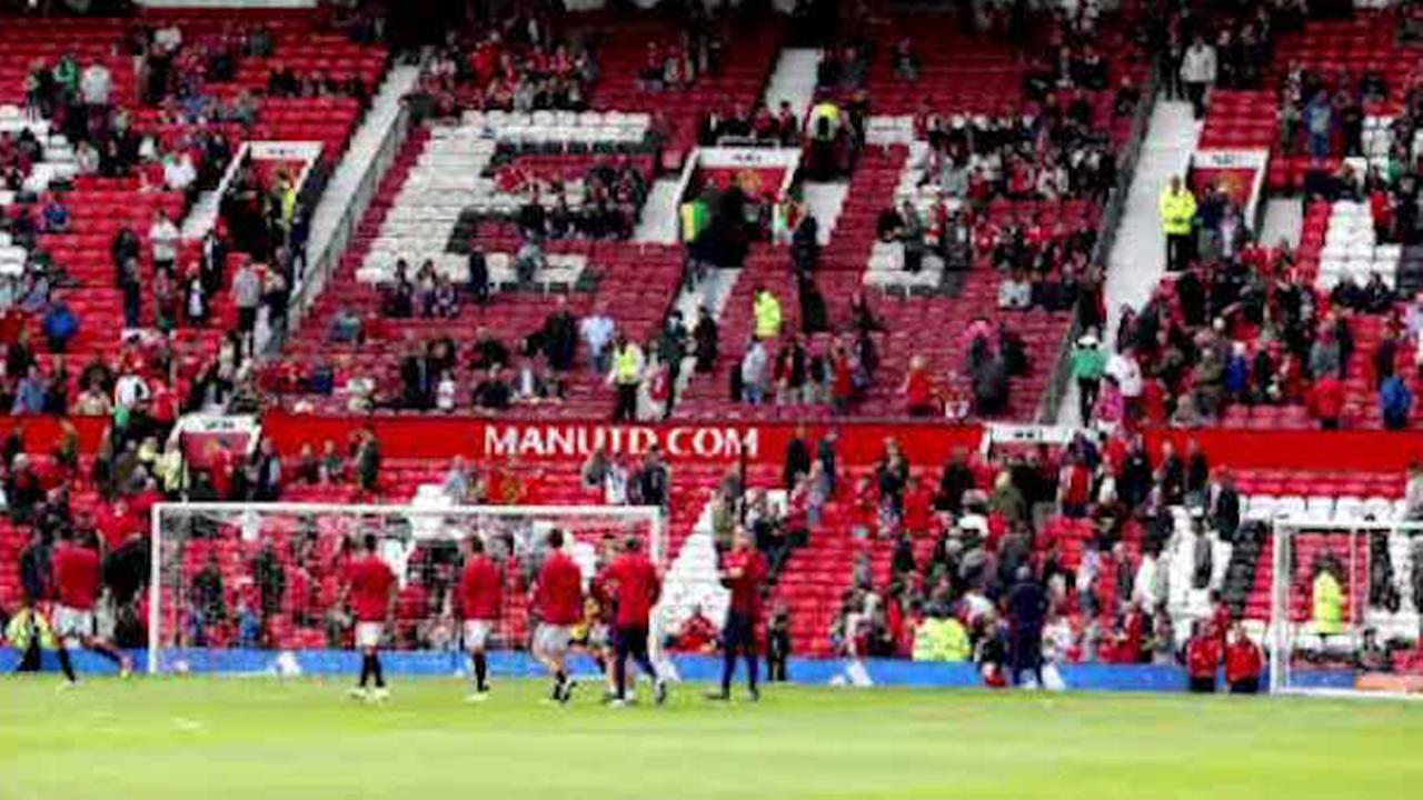 Manchester United evacuates stadium after suspicious package found