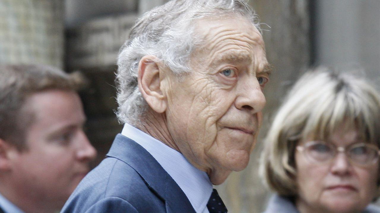 60 Minutes correspondent Morley Safer arrives for Walter Cronkites funeral at St. Bartholomews Church on Park Ave. in New York, Thursday, July 23, 2009.
