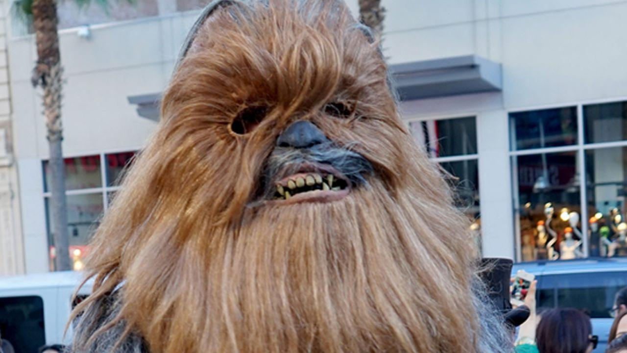 Chewbacca turns the tables on woman's viral video