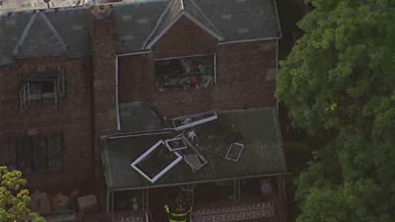 2 injured in house fire in Sheepshead Bay, Brooklyn
