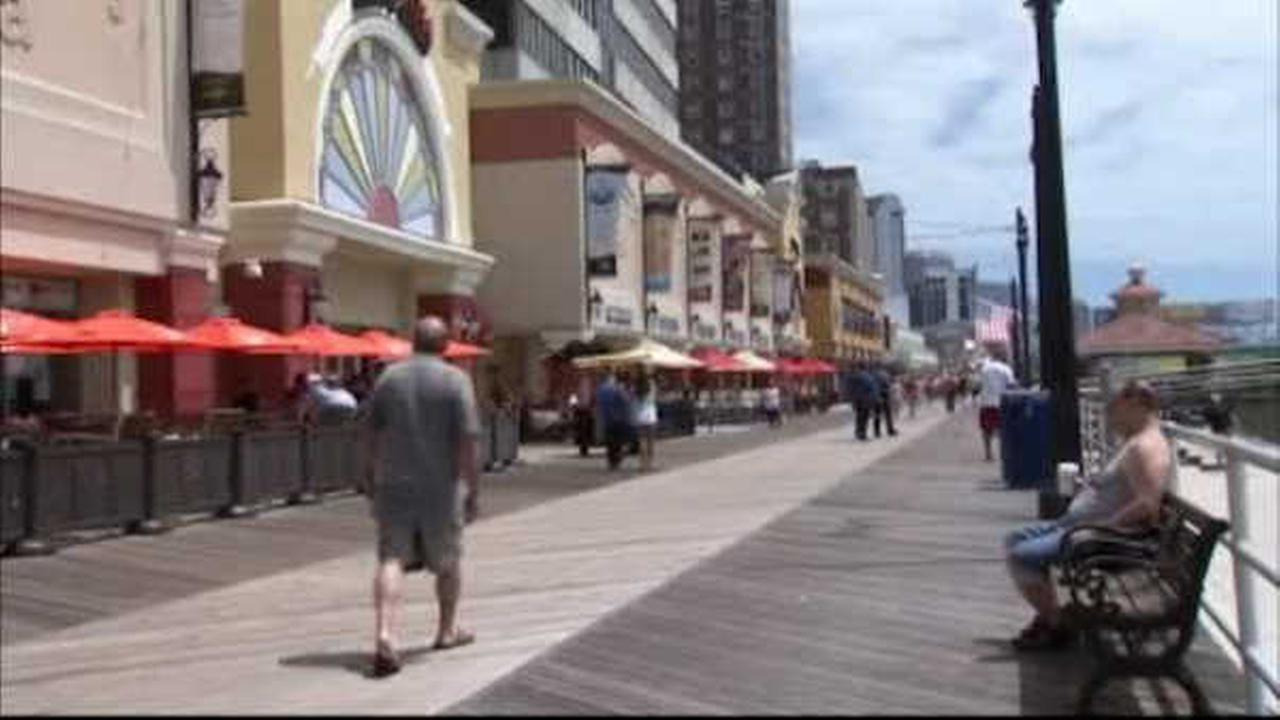 Gov. Chris Christie signs financial rescue package for Atlantic City