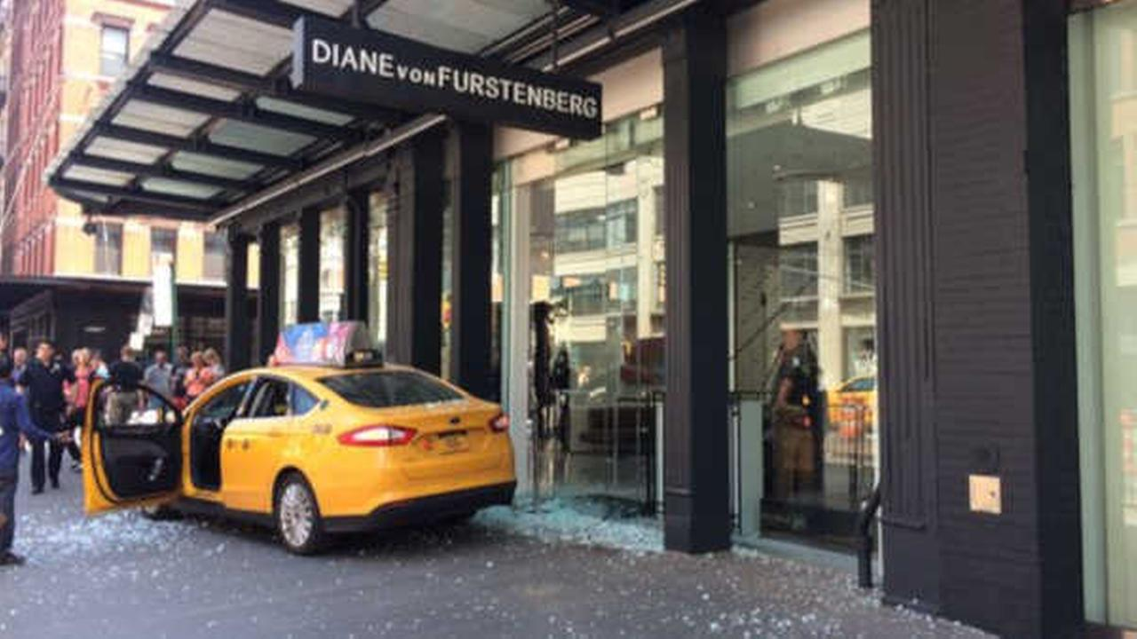 Cab jumps curb, breaks window of Meatpacking District store