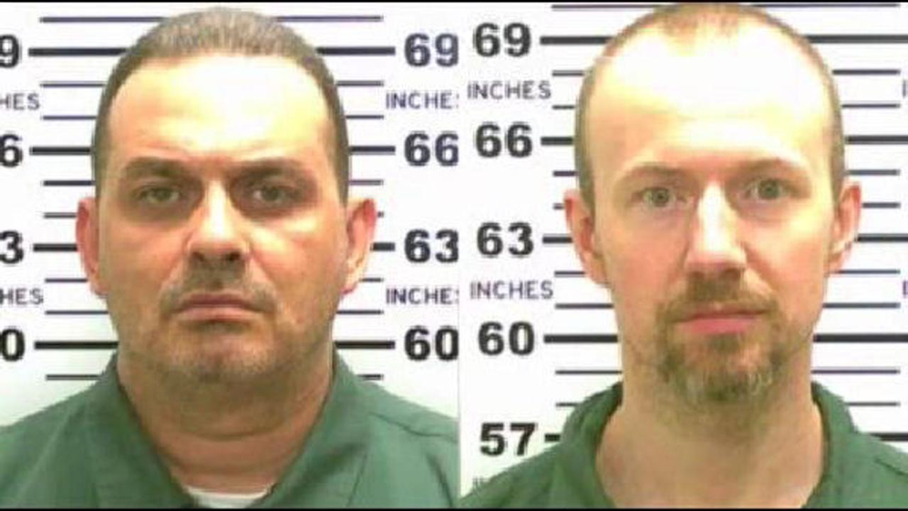 Prison escapees hoped to live in Mexico under fake names