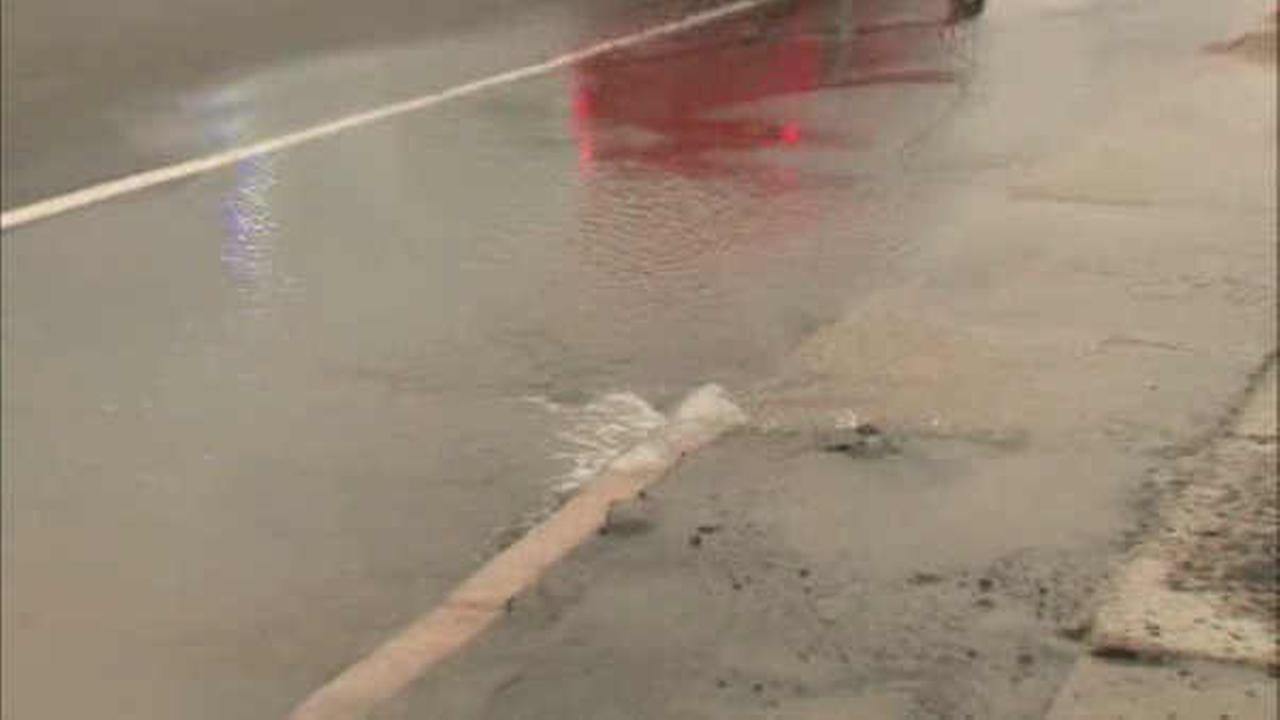 Series of water main breaks disrupts traffic in Elizabeth, New Jersey