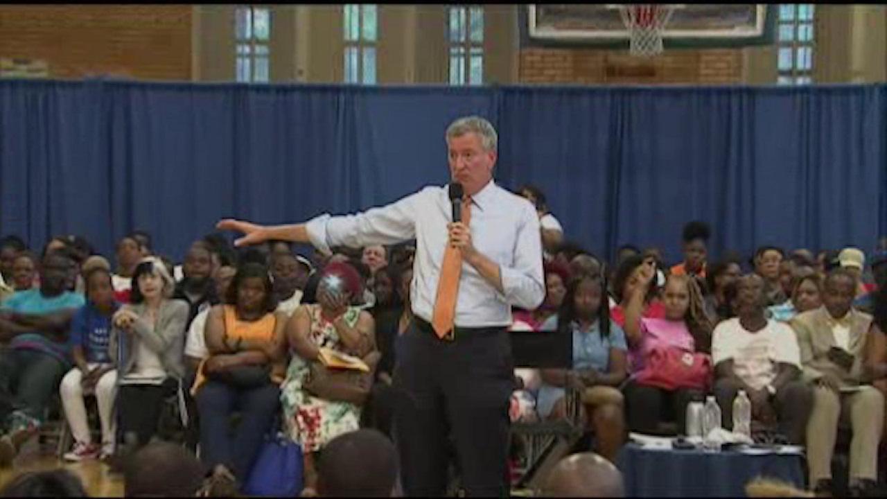Mayor holds town hall meeting on gun violence in Brooklyn