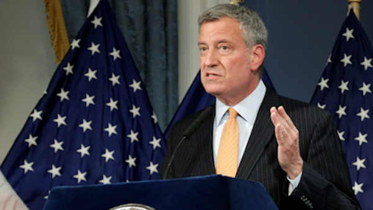 NY mayor avoids charges, moves toward re-election