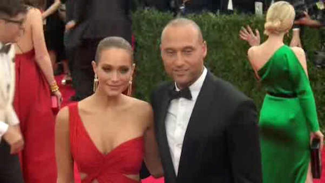 Yankees legend Derek Jeter marries model Hannah Davis in California