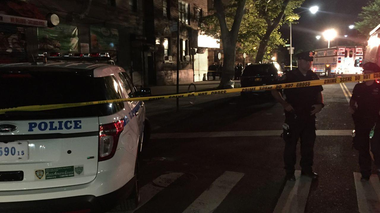 Gunshots narrowly miss NYPD officers in Flatbush, Brooklyn