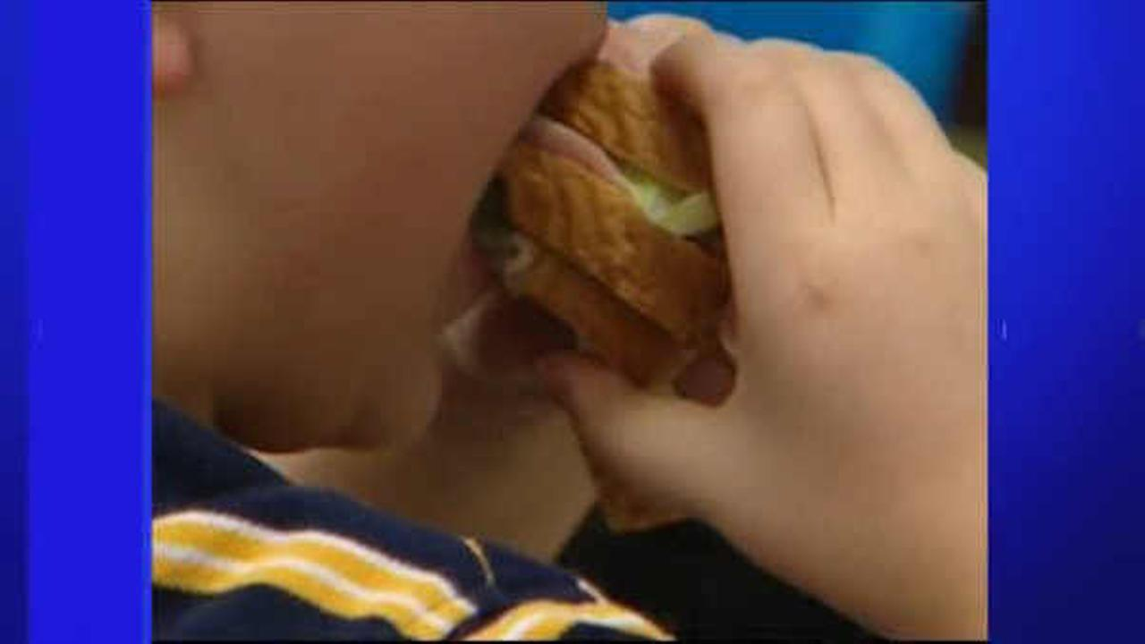 USDA: Schools cannot advertise unhealthy snacks in cafeterias