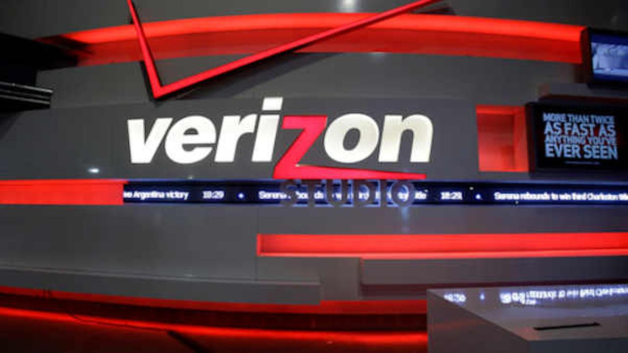 Verizon buys online portal Yahoo for $4.83B