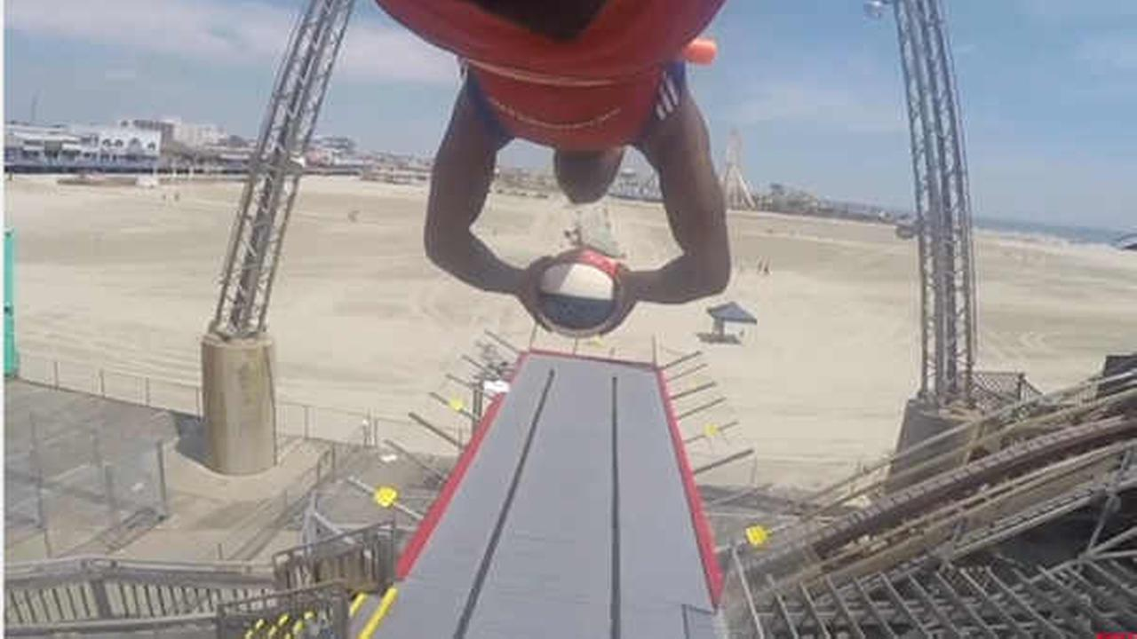 Harlem Globetrotter makes one of the most amazing shots you'll ever see