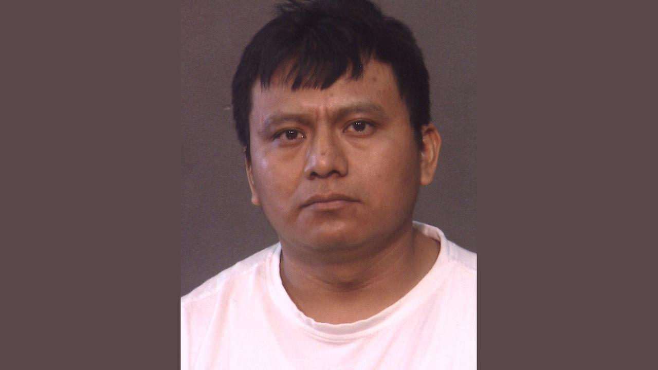 NYPD: Man broke into bathroom, tried to rape showering Staten Island woman