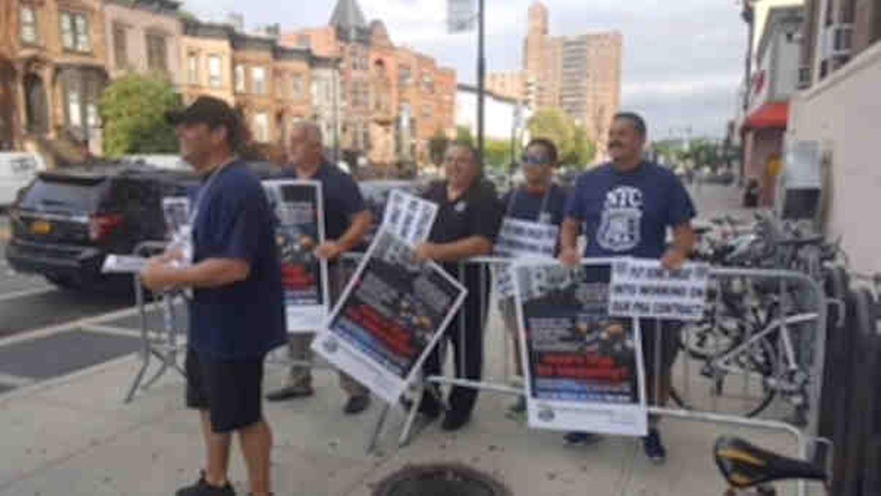 The police union was picketing mayor Tuesday morning at Gracie Mansion and at the Park Slope Y in Brooklyn.
