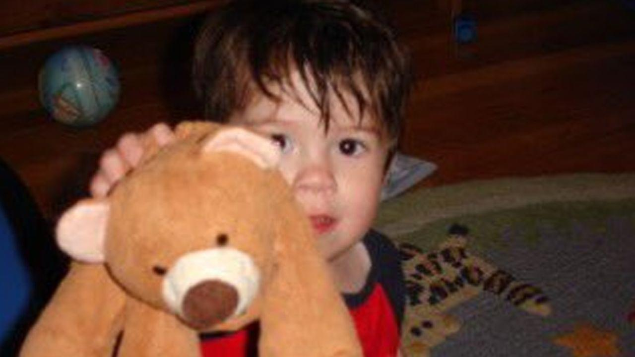 Boy reunited with lost teddy bear, thanks to Twitter