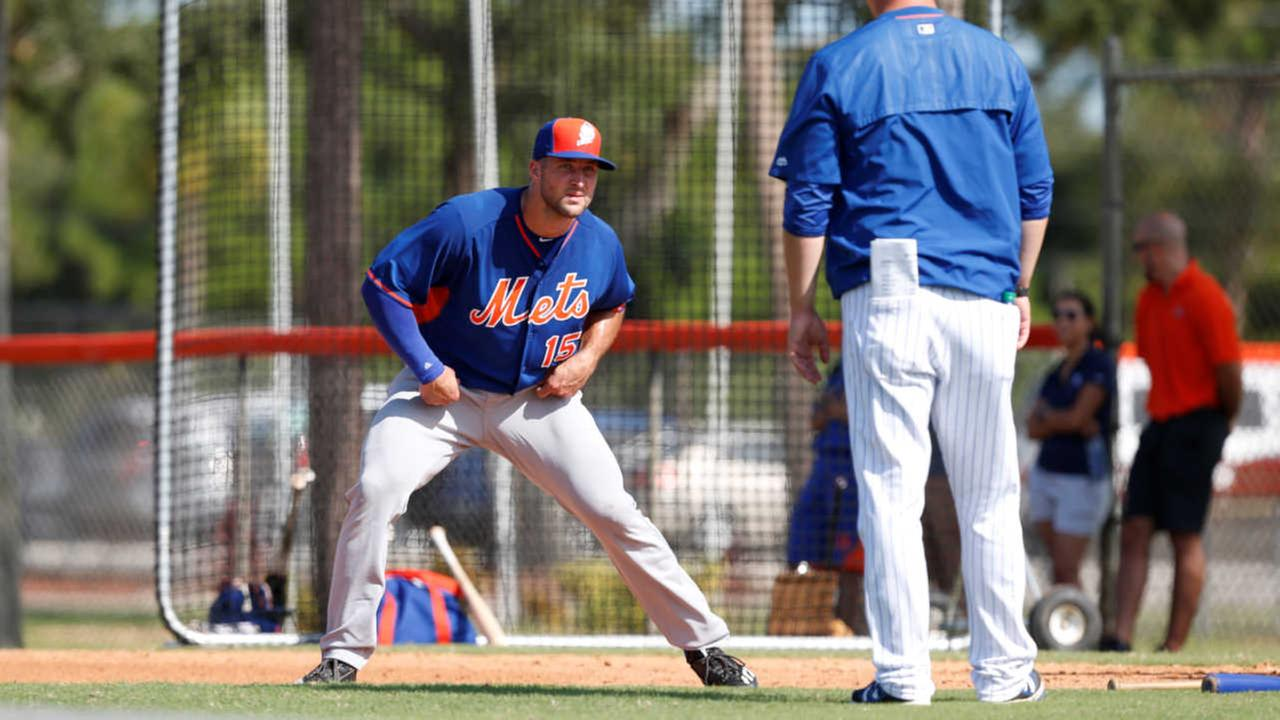 Same number, new sport: Tim Tebow works out at Mets camp