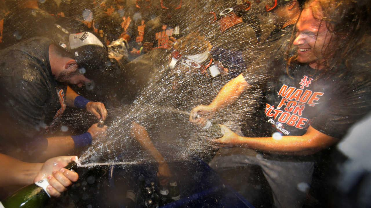 Mets clinch top NL wild card spot with win over Phillies