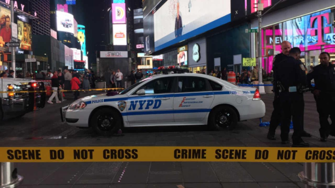 Woman charged with trying to light apparent Molotov cocktail in Times Square