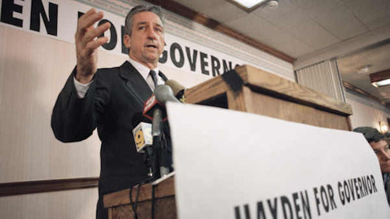 Tom Hayden announces his candidacy for California governor Feb. 9, 1994  (AP Photo/Kevork Djansezian)