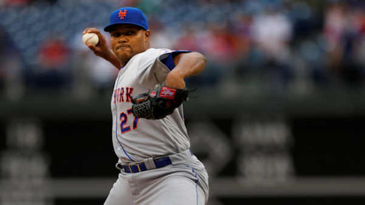 Mets relief pitcher Jeurys Familia (27) in action during a baseball game against the Philadelphia Phillies, Saturday, Oct. 1, 2016, in Philadelphia. (AP Photo/Laurence Kesterson)