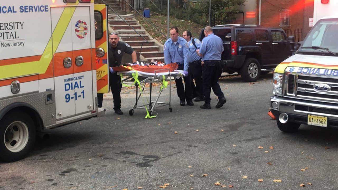 Police: 3 dead, 4 injured after stabbing inside Newark home