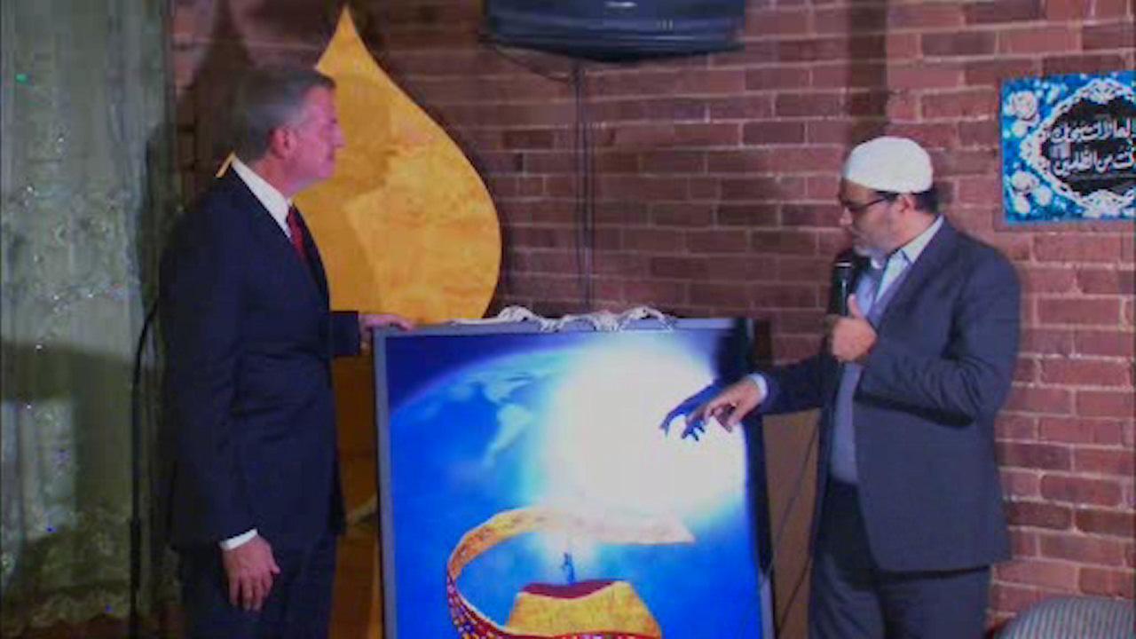 Mayor de Blasio talks to Muslims about Trump's presidency