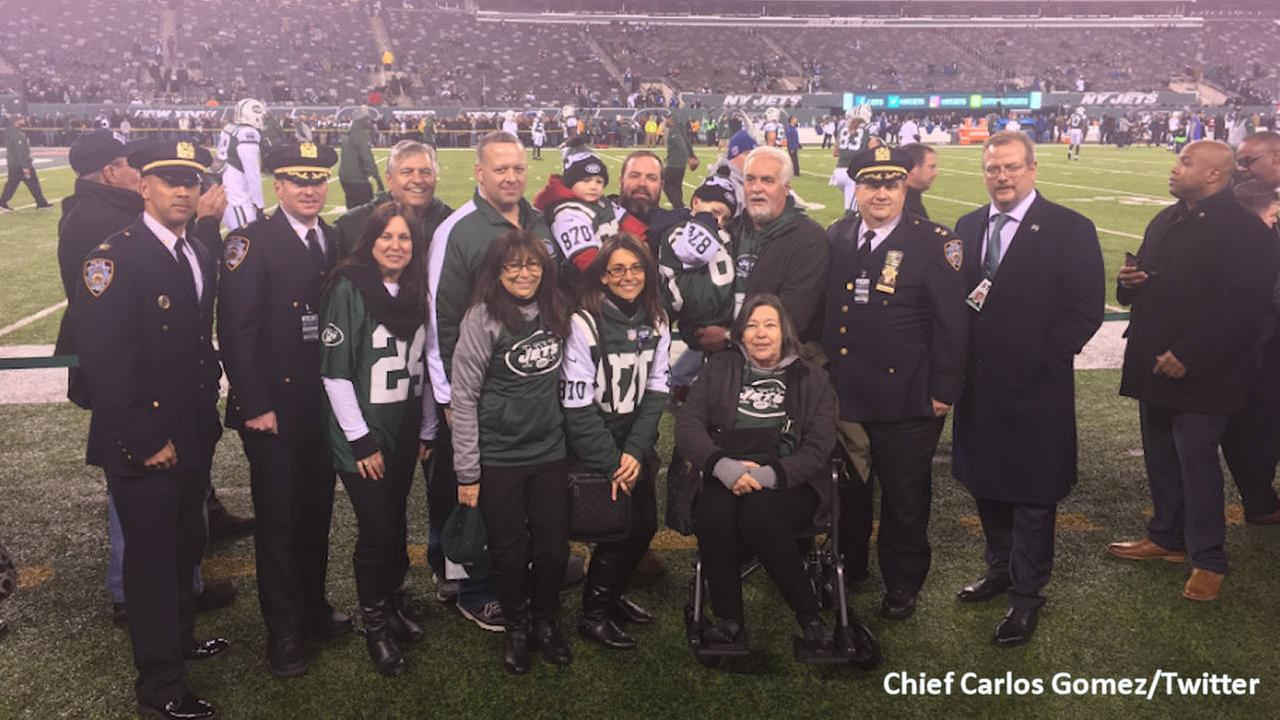 Family of NYPD sergeant killed in Bronx honored at Jets game