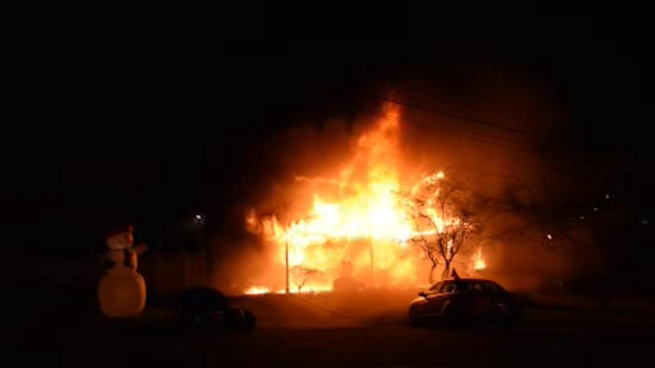 Christmas lights likely to blame in Deer Park house fire