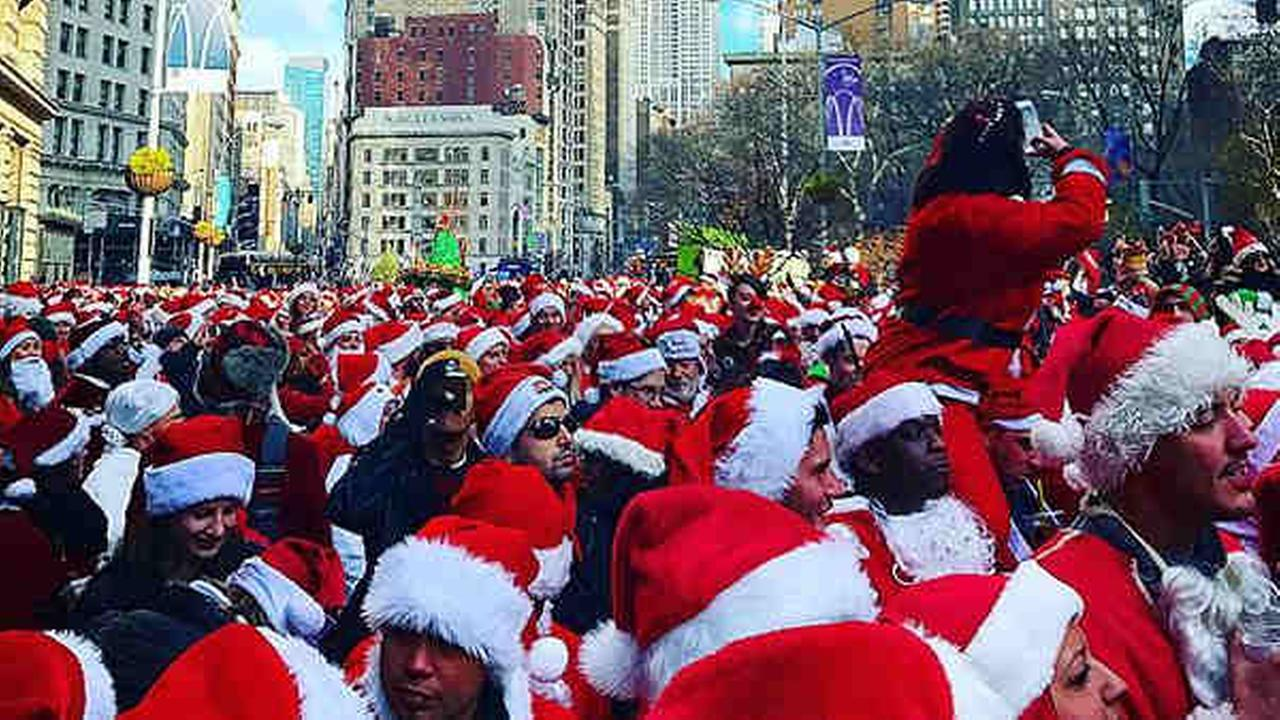 New York Citys annual SantaCon event is on despite efforts by a community group to deter the holiday pub crawl by red-suited revelers.