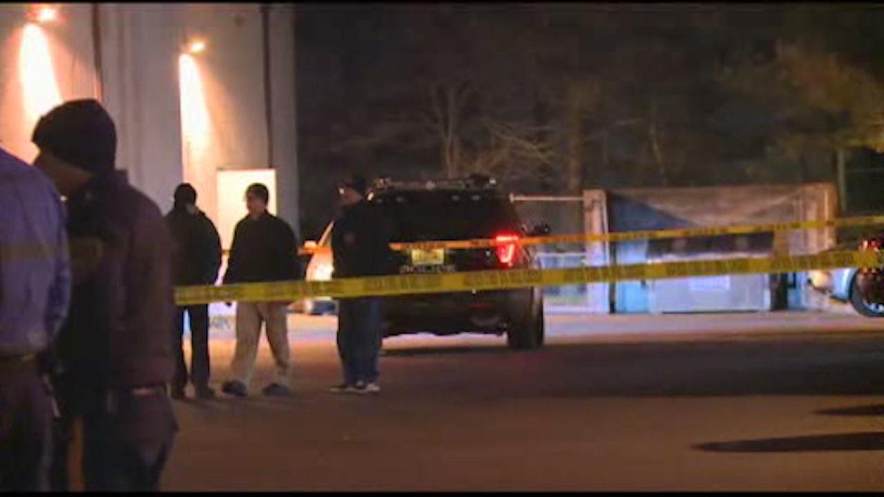 Police exchange gunfire with robbery suspect in Eatontown, NJ