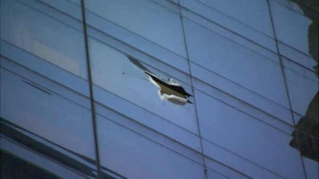 Glass falls 18 floors from hotel in Lower Manhattan