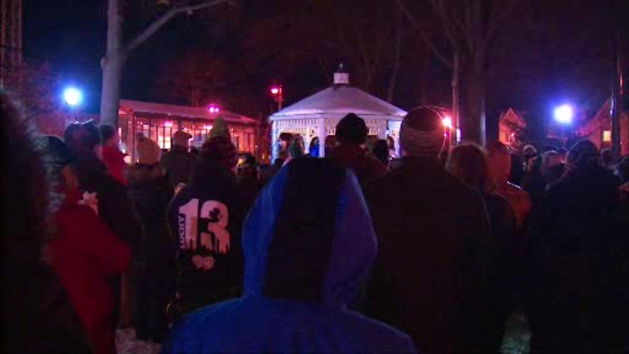 Vigil held for paralyzed NYPD detective who suffered heart attack last week