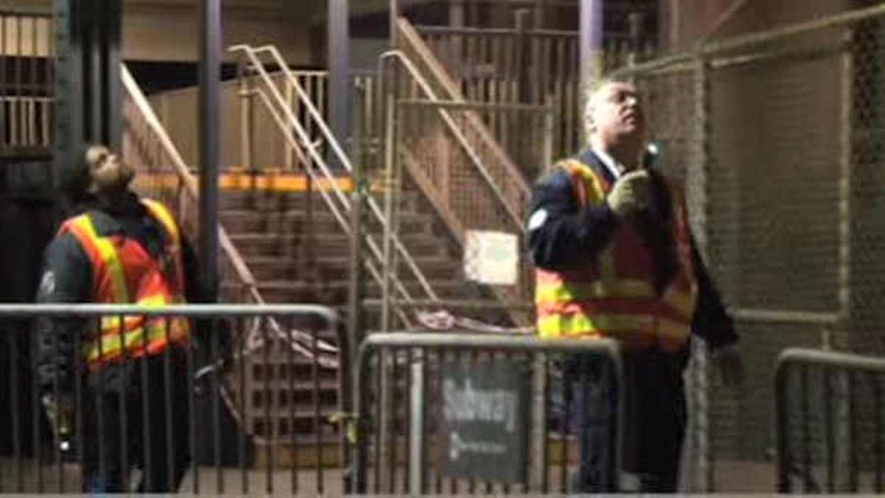 Crews fixing second 7 train derailment in 3 days in Flushing, Queens