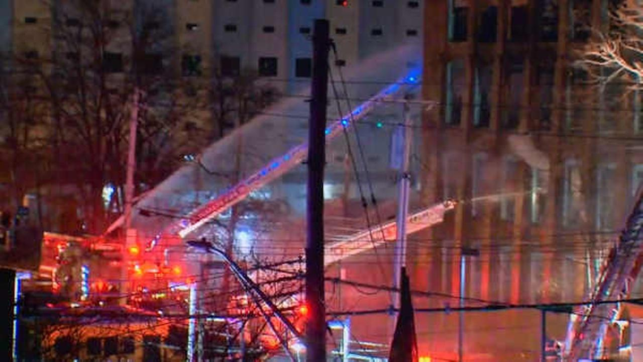 4-alarm fire burns through large warehouse in Yonkers