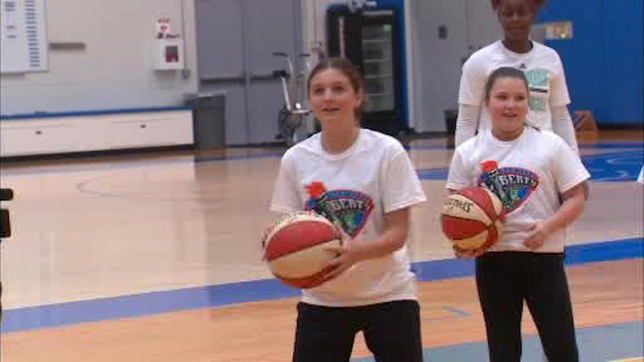 New Jersey girl expelled after suing to play on boys' basketball team reinstated