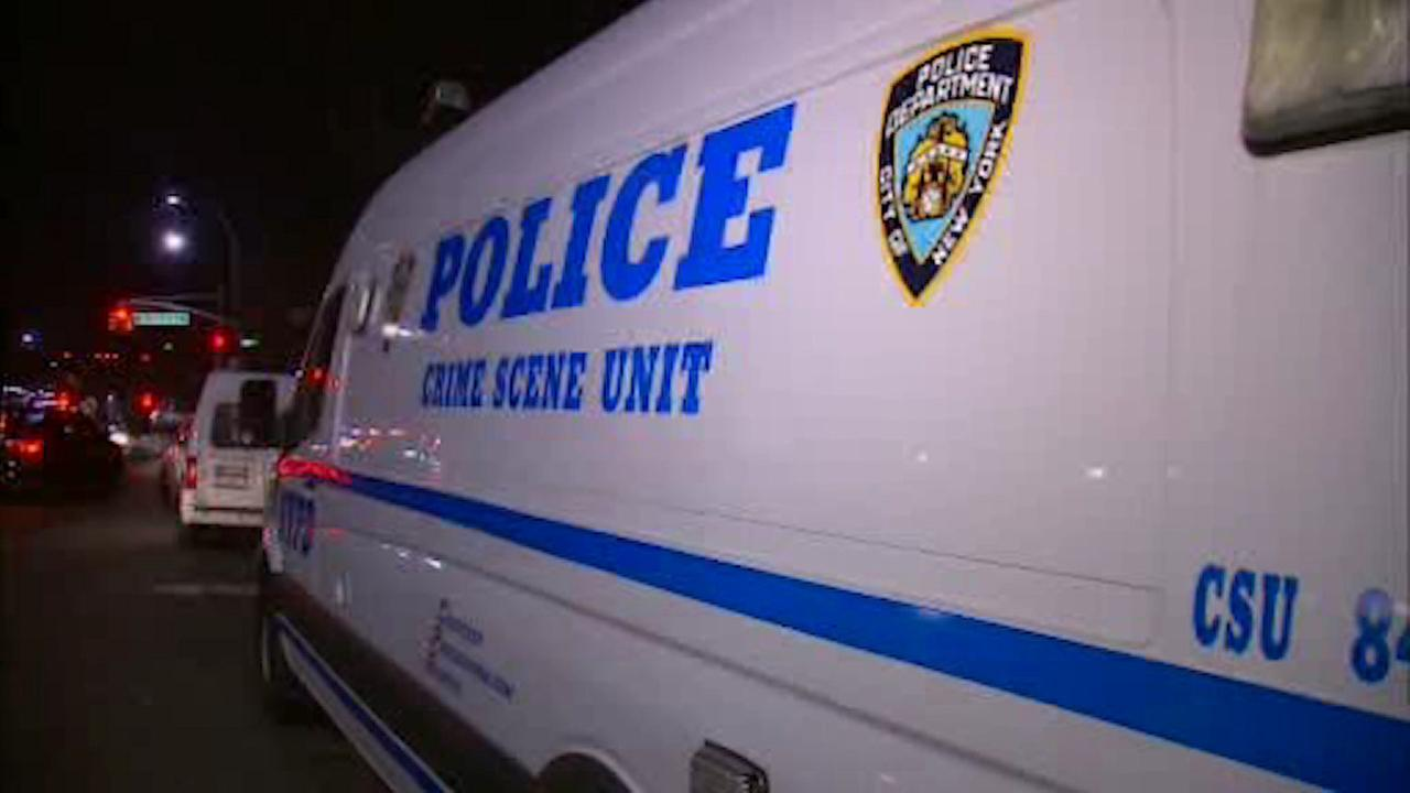 Man stabbed while trying to break up fight in East Harlem