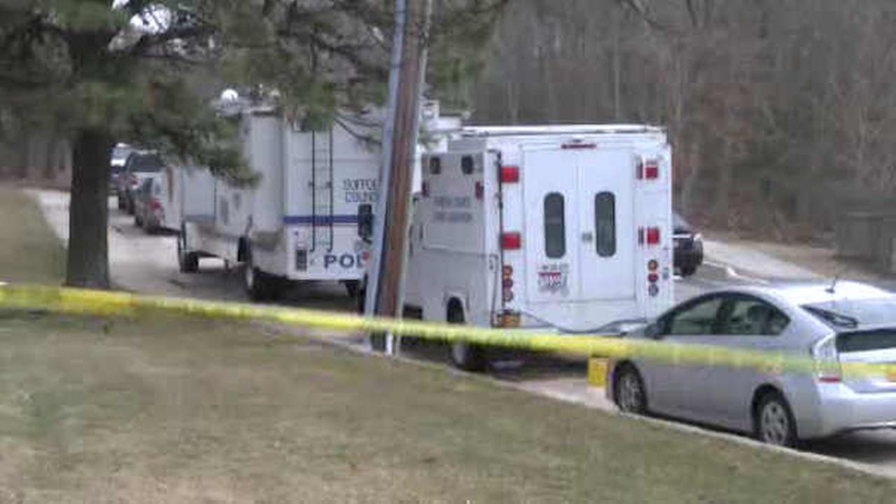 Police investigating after skeletal remains found off hiking trail on Long Island