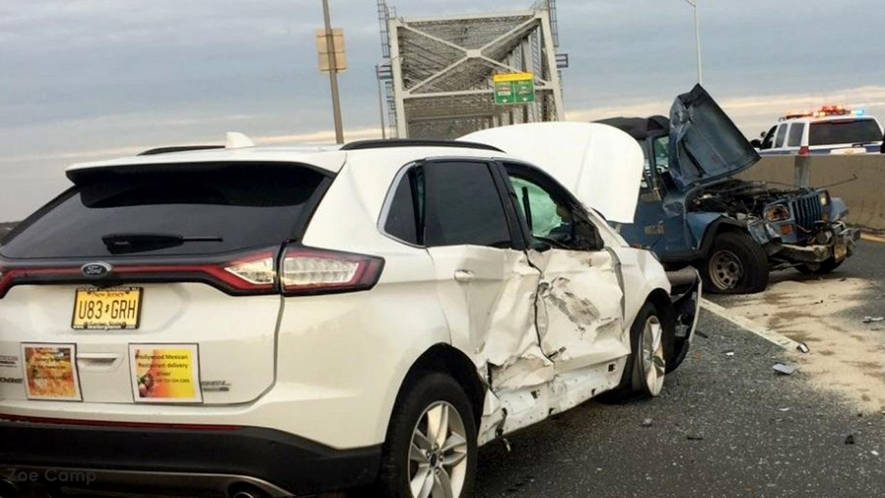 Police chase ends in crash on Outerbridge Crossing bridge