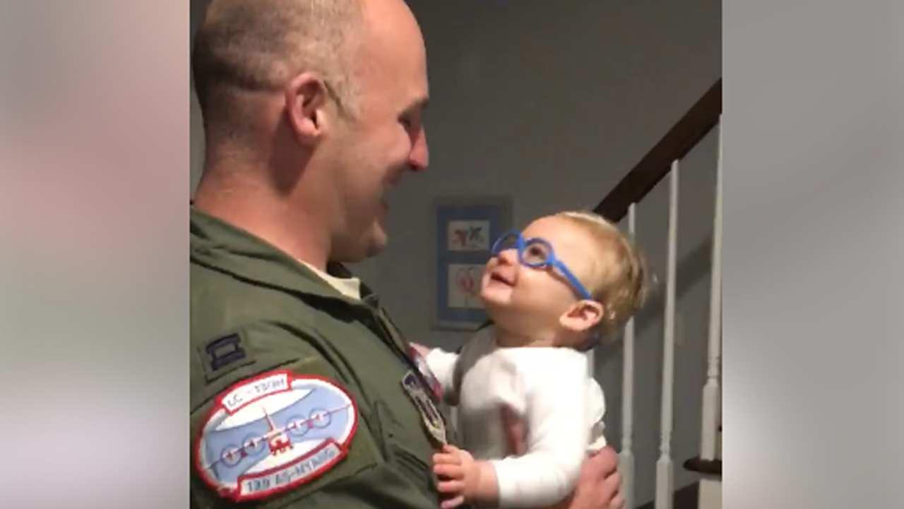 WATCH: Baby sees dad for 1st time w/ glasses after emotional military homecoming