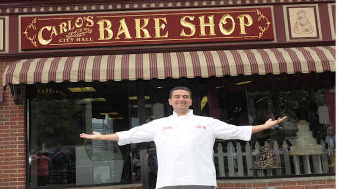 TV's 'Cake Boss' helped from fogged-in boat in NYC