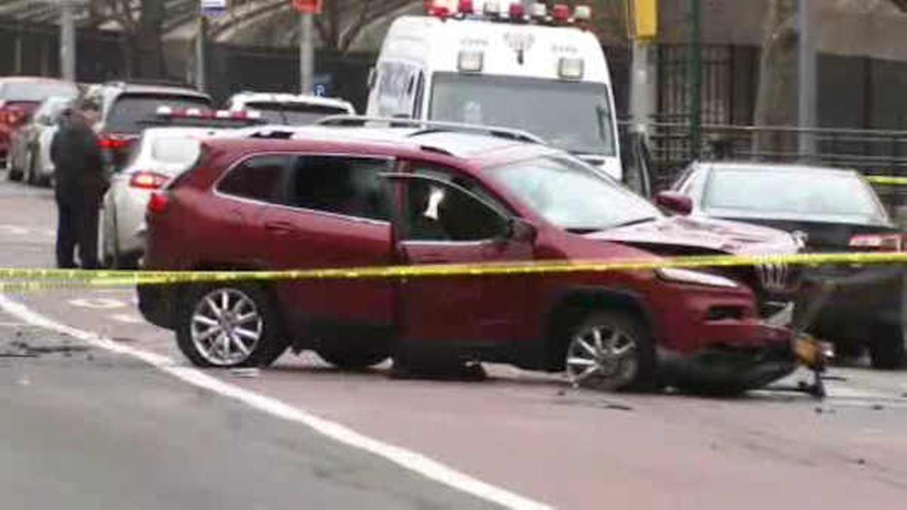2 men sitting in car shot in the Bronx, crash while trying to flee