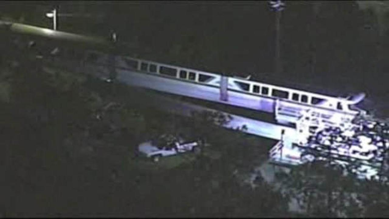 Power outage forces evacuation of monorail at Disney World