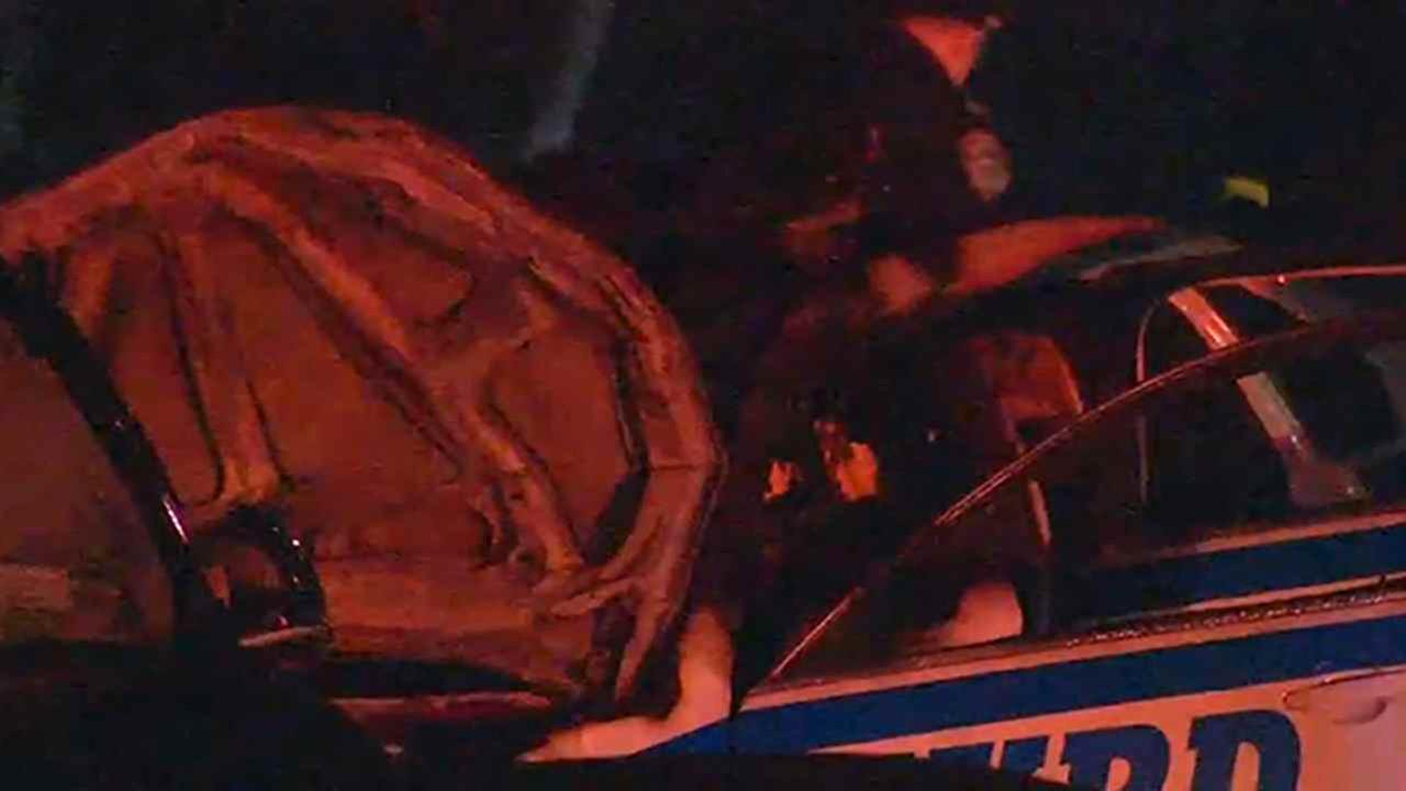 Police car collision leads to injuries of 2 officers