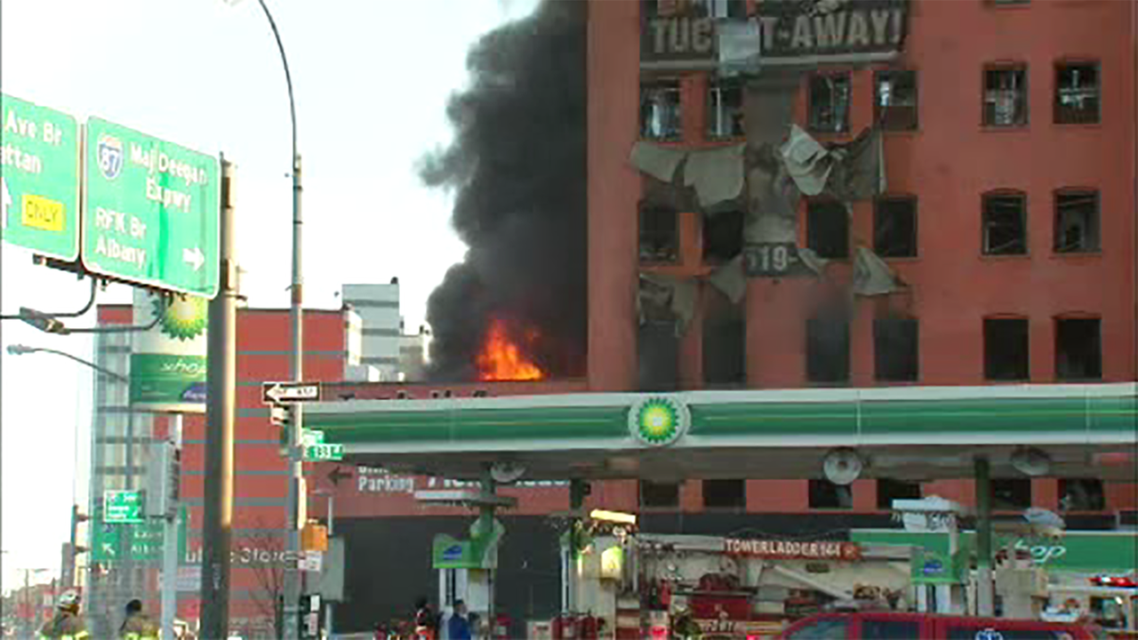 Fire Tears Through Storage Facility In Mott Haven Section Of The Bronx |  Abc7ny.com