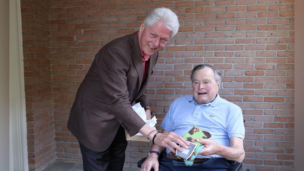 Bill Clinton tweets about visiting Bush family in Houston