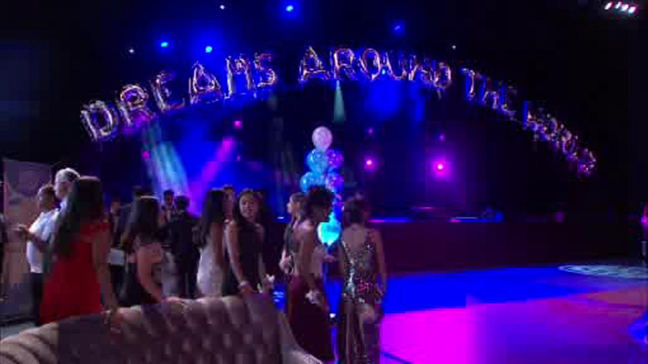 'Garden of Dreams' prom held for teens at MSG
