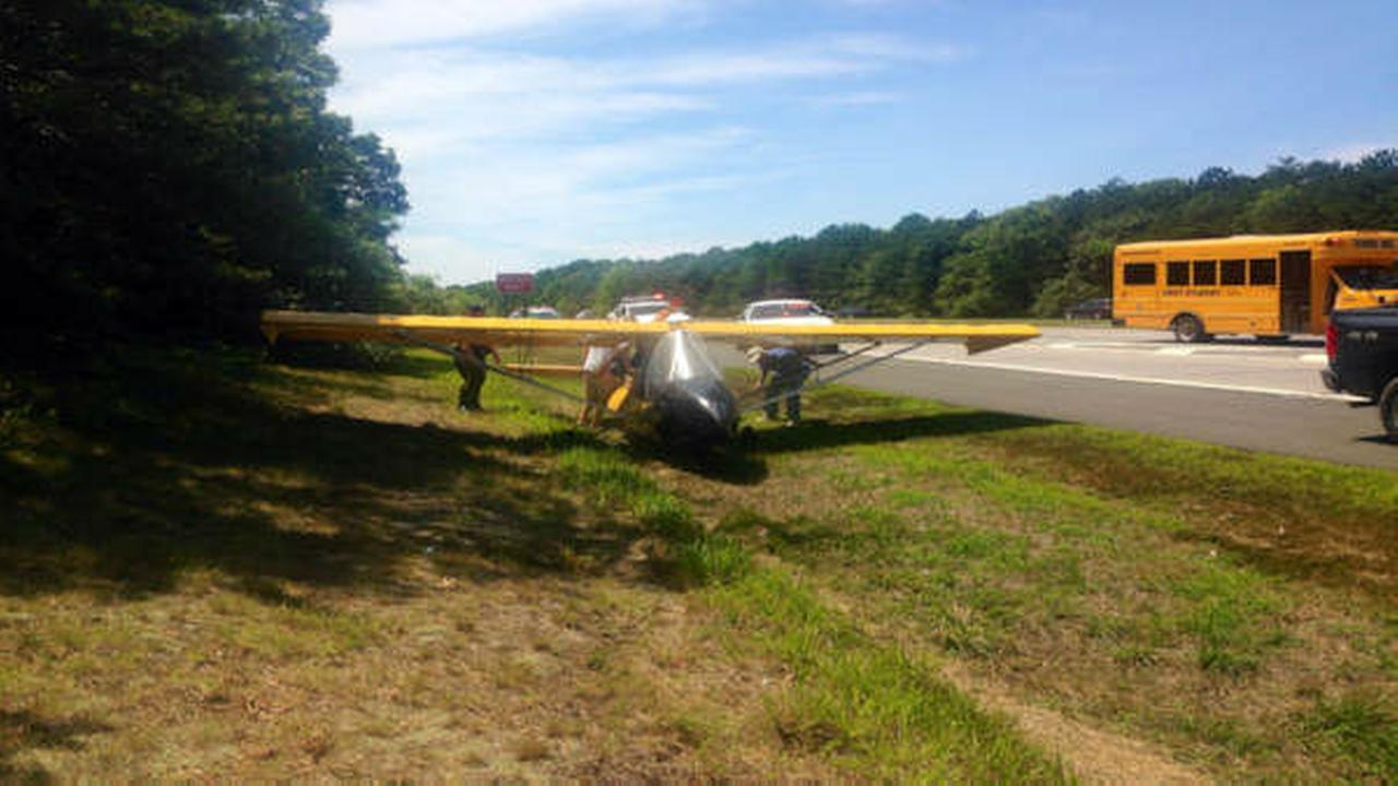 Small plane makes emergency landing on Sunrise Highway