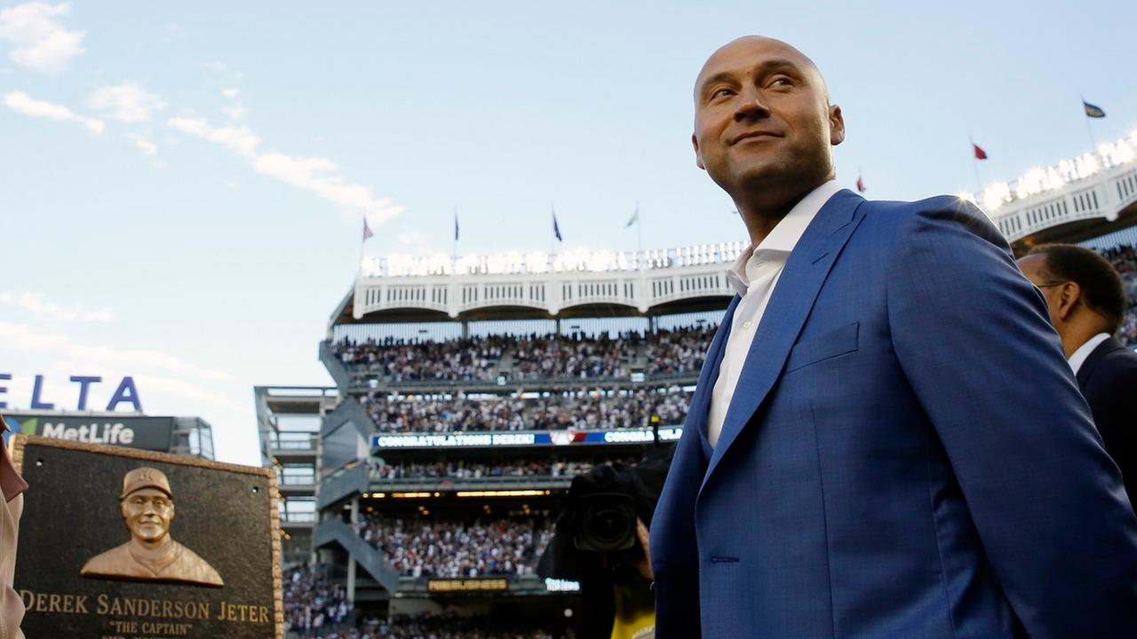 Derek Jeter's No. 2 retired by Yankees; Monument Park plaque unveiled