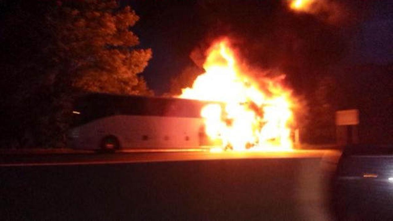 Tour bus catches fire on I-287 in Franklin Township, NJ